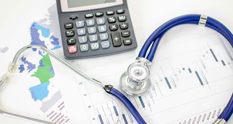 Reajuste de plano de saúde coletivo aos 59 anos deve respeitar limite da ANS, decide Justiça